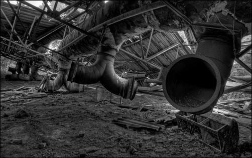 industrial_urban_decay_walls_desktop